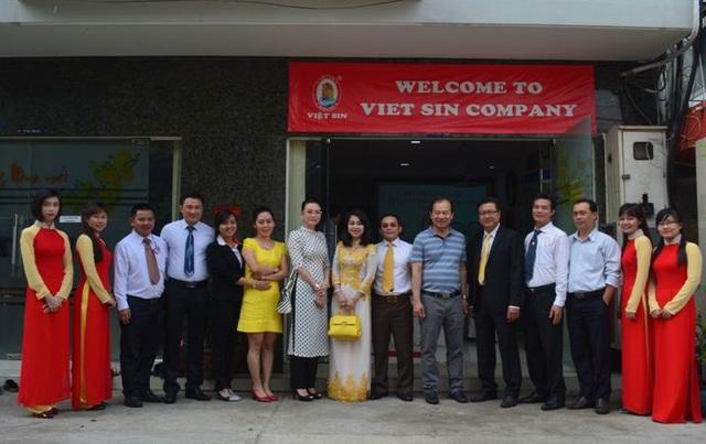 Lãnh đạo Việt Sin cũng đã có cuộc gặp gỡ với Tập Đoàn Viet - Wah (nhà nhập khẩu tại Mỹ)