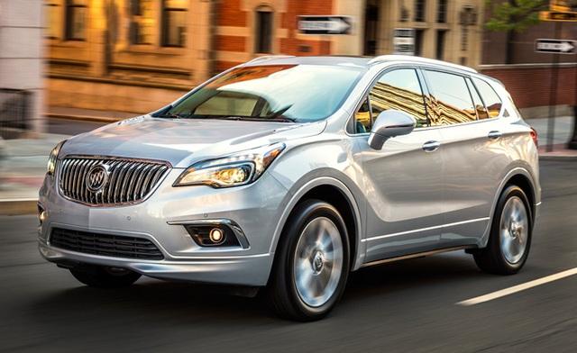 Buick Envision 2017 là một trong những mẫu SUV cỡ nhỏ đáng chú ý nhất trên thị trường, với kiểu dáng sang trọng, nhỏ gọn và động cơ mạnh mẽ. Hệ thống giảm xóc trước mang tên HiPer Strut cho xe khả năng phản ứng nhanh nhạy mỗi khi tăng giảm tốc độ, cải thiện góc nghiêng và giảm tiếng ồn, độ rung của động cơ.