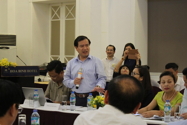 Các đại biểu chia sẻ trong tọa đàm