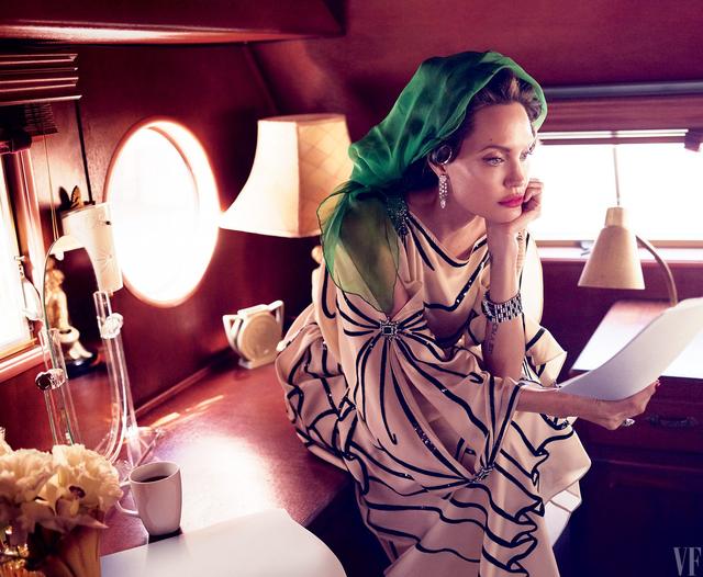 Angelina Jolie tuyển chọn diễn viên nhí gây tranh cãi trái chiều - 1