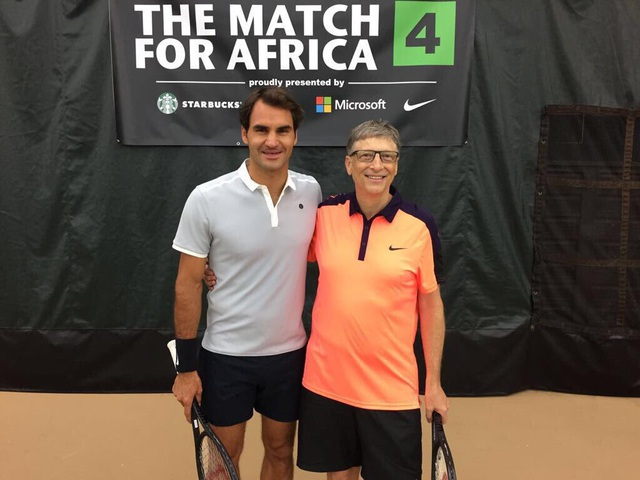 Ông cũng đặc biệt ham mê các môn thể thao, đặc biệt là chơi tennis.