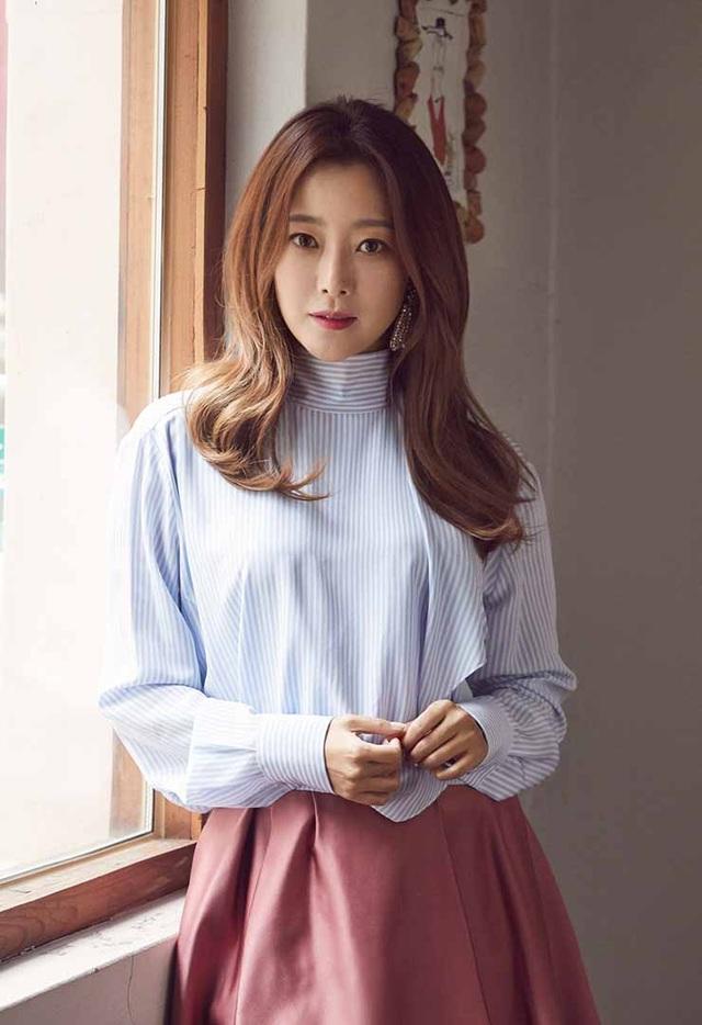 Nữ diễn viên Kim Hee-sun.