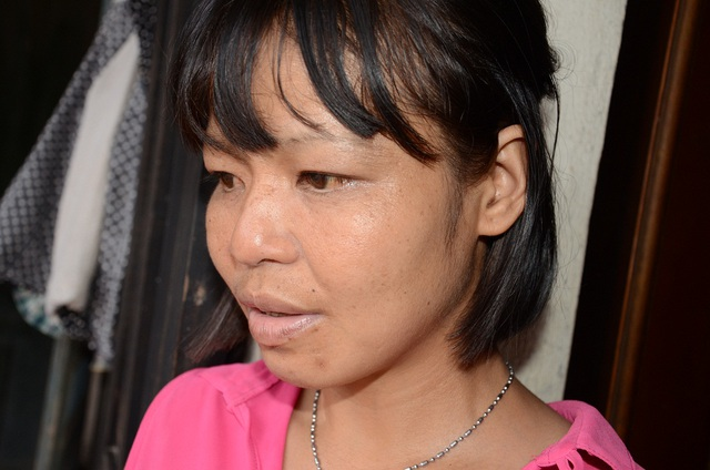 Sự mệt mỏi, chán chường hằn rõ trên nét mặt của 3 chị em gồm Dương Thị Nhường .