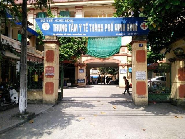 Trung tâm Y tế thành phố Ninh Bình hiện đang cho người ngoài vào kinh doanh dịch vụ chụp ảnh.