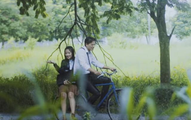 """""""Em gái mưa"""" phiên bản nhí khiến ca sĩ Hương Tràm cũng phải trầm trồ - 3"""
