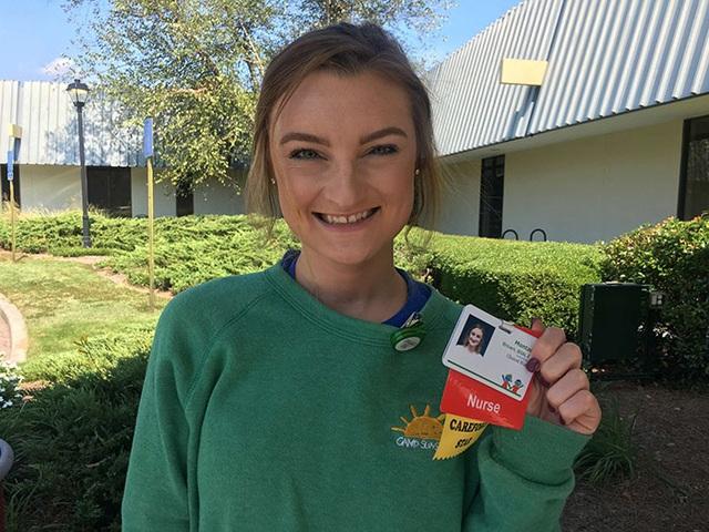 Montana tự hào khi được trở lại chính nơi cô đã điều trị để cứu giúp những bệnh nhân khác.