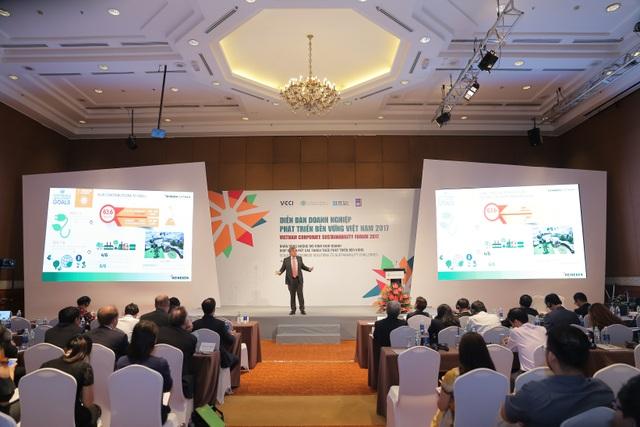Tổng giám đốc HEINEKEN Vietnam phát biểu trong VCSF 2017 .