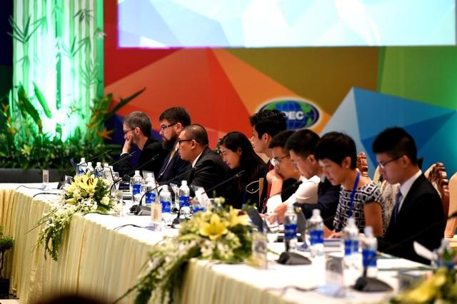 Đại diện các thành viên APEC tham dự hội nghị