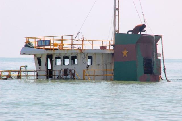 Các tàu chìm ở biển Quy Nhơn đang gây khó khăn cho các tàu lớn ra vào Cảng Quy Nhơn.