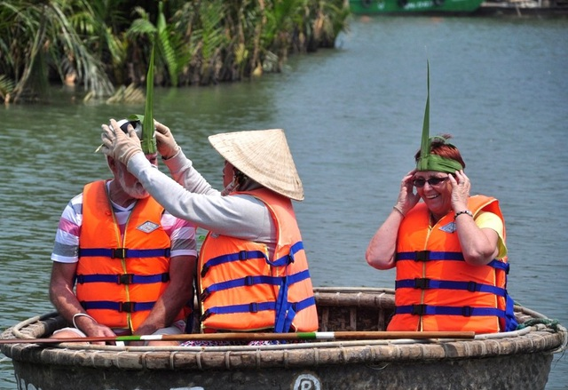 Hành động bứt lá dừa làm đồ lưu niệm sẽ bị cấm để bảo vệ dừa