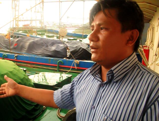Ngư dân Lê Văn Thãi, chủ tàu vỏ thép BĐ 99016 TS (đóng tại Công ty TNHH MTV Nam Triệu) vẫn chưa hoàn thành việc sửa chữa.
