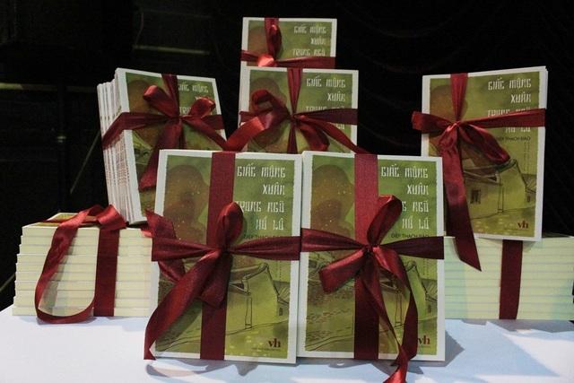 Tuyển truyện bao gồm 8 tác phẩm truyện ngắn tiêu biểu nhất của nhà văn Diệp Thạch Đào.