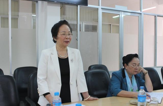 Chủ tịch Hội Khuyến học Việt Nam Nguyễn Thị Doan mong muốn tỉnh Phú Yên cần quan tâm tạo điều kiện cho người lớn tiếp tục học tập