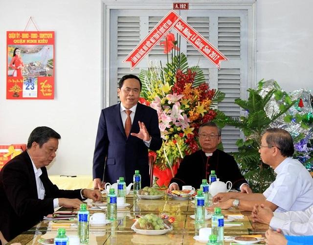 Ông Trần Thanh Mẫn đến thăm, chúc mừng lễ Giáng sinh năm 2017 tại Toà Giám mục Cần Thơ