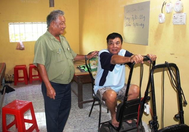 Ngoài ra, ông Nghị còn lập phòng khám đông y, giúp các bệnh nhân nghèo có điều trị tốt hơn