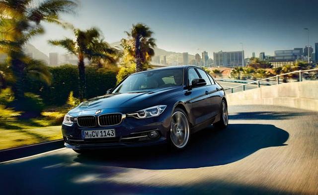 BMW Series 3 sở hữu công suất mạnh mẽ, khả năng xử lý và độ chắc chắn chuẩn mực khi ôm cua