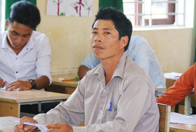 Thí sinh Nguyễn Văn Quý 46 tuổi và đã 4 lần đi thi