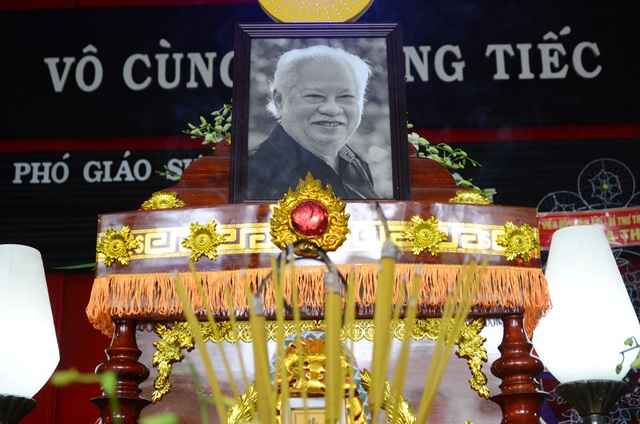 Sự ra đi của ông vào những ngày cuối năm là một tổn thất lớn cho làng nhạc Việt Nam.