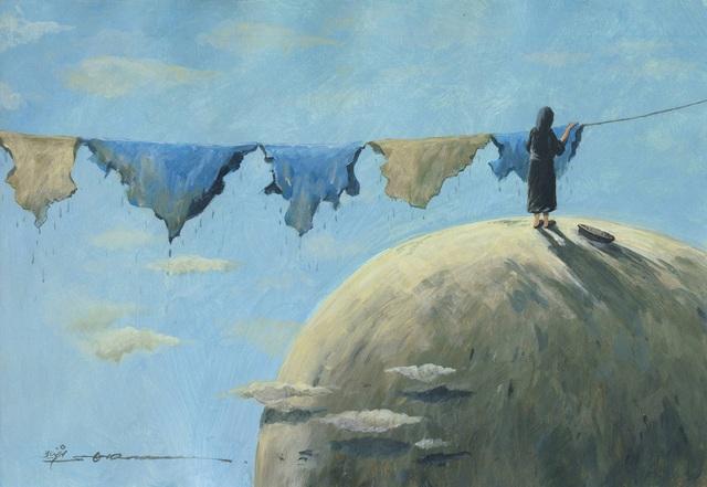 Bức vẽ của họa sĩ Shahram Rezaei (Iran). Hãy để Trái Đất còn thực sự là mái nhà xanh của con người. Tấm áo phủ lên Trái Đất chính là đất đai và biển cả, tấm áo ấy đã phải chứng kiến sự nhem nhuốc vì ô nhiễm.