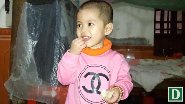 Bé Trần Thị Thùy Dương (sinh tháng 4/2015) không may bị mắc phải căn bệnh ung thư máu, hiện tại cháu đang phải chạy hóa chất để duy trì sự sống.