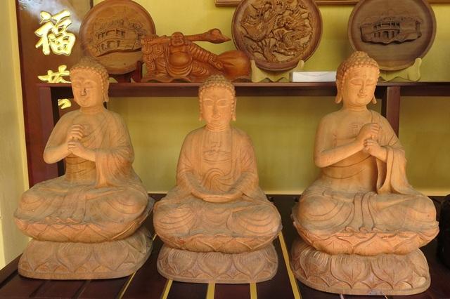 Sản phẩm của làng Mộc Kim Bồng có hàng trăm năm tuổi ở Hội An (Quảng Nam)