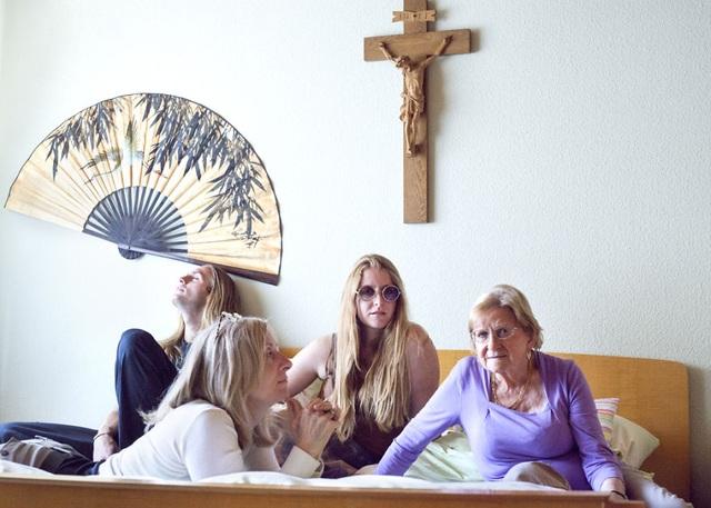 Gia đình Maddox ở Bietigheim Baden, Đức.