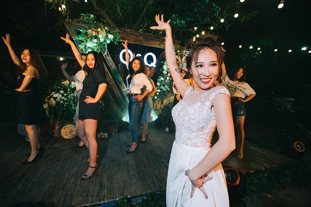 """Đám cưới """"trong mơ"""" với 300 khách cùng """"xăm"""" biểu tượng hạnh phúc - 7"""