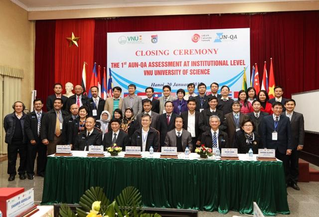 Trường ĐH đầu tiên của Việt Nam đạt kiểm định chất lượng AUN-QA - 1