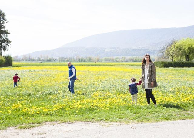 Một gia đình ở La Landeron, Thụy Sĩ.