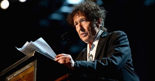 Bob Dylan đã thực hiện bài thuyết giảng Nobel, như vậy, ông đã đáp ứng đầy đủ điều kiện để có thể nhận giải thưởng là số tiền mặt tương đương 20,5 tỷ đồng.