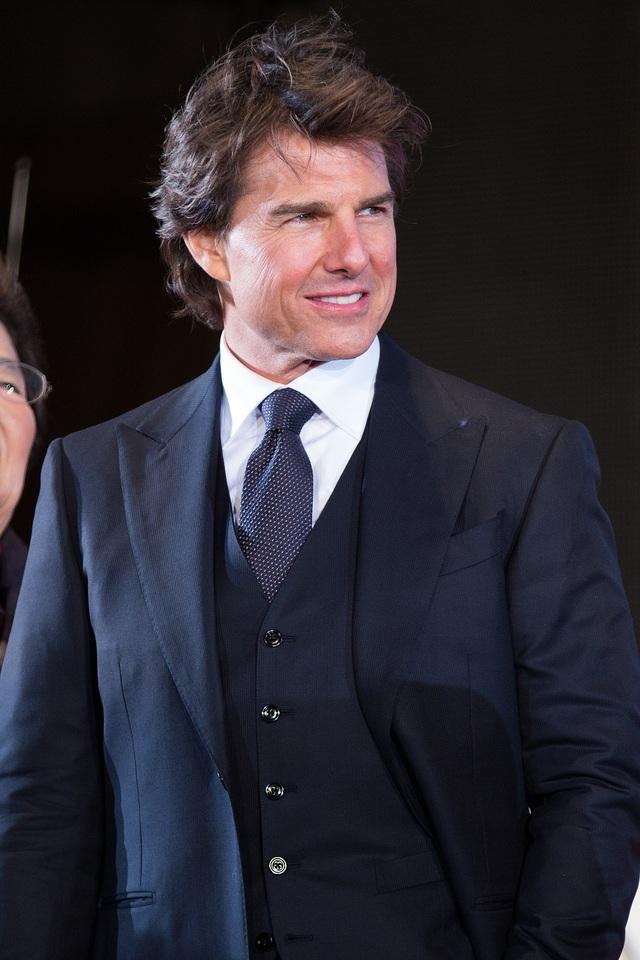 Tom Cruise đứng thứ 7, kiếm được 43 triệu USD (977 tỷ đồng).