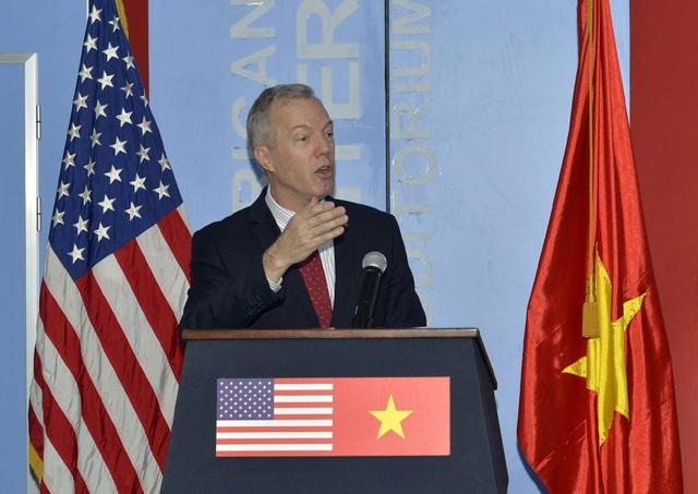 Đại sứ Mỹ tại Việt Nam Ted Osius phát biểu tại hội thảo (Ảnh: Phương Nguyễn/USAID)