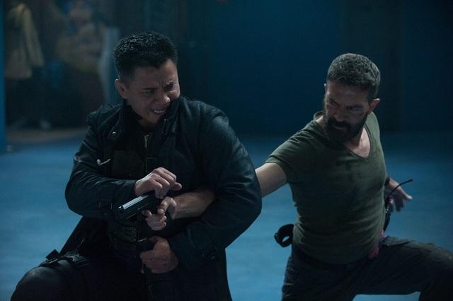 """Cung Lê đấu với tài tử """"Mặt nạ Zorro"""" trong phim mới - 2"""