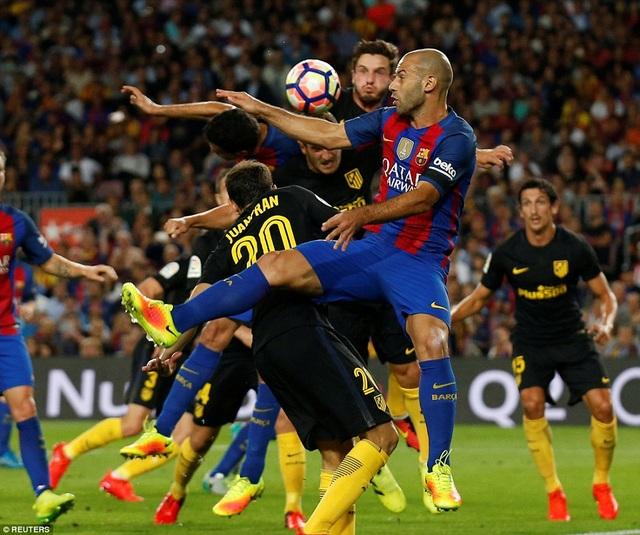 Những trận đại chiến Atletico-Barcelona luôn diễn ra đầy quyết liệt