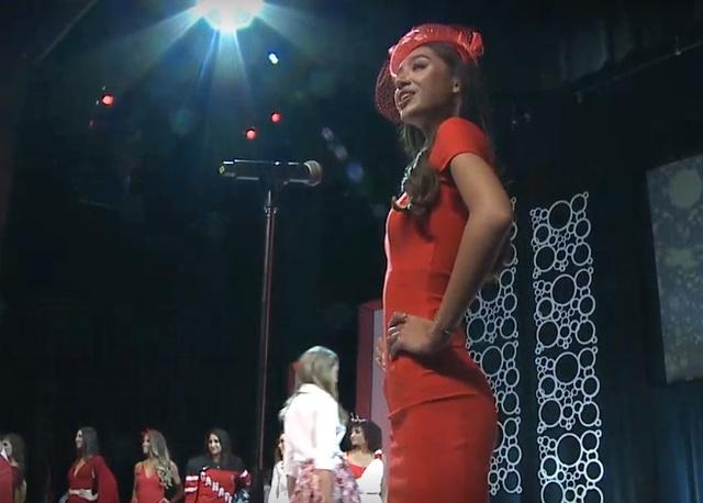 Diana Lai tự giới thiệu mình với khán giả có mặt tại đêm chung kết.