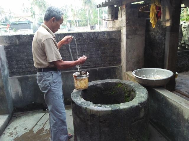 Người dân làng Cờ Đỏ tiếp tục có tên trong danh sách 10 làng ung thư có nguồn nước bẩn nhất.