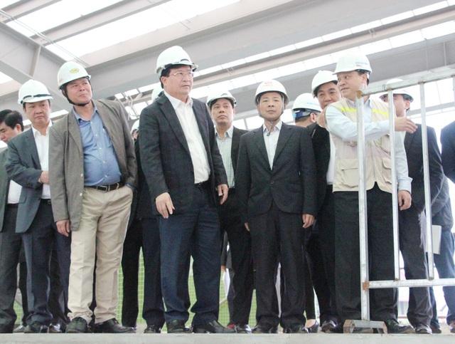 Phó Thủ tướng Trịnh Đình Dũng thăm Nhà ga La Khê của tuyến đường sắt số 2A (Cát Linh – Hà Đông).