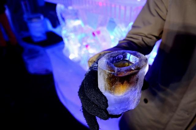 Đồ uống lạnh tự nhiên khi đựng trong những chiếc ly này.