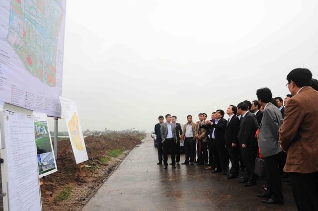 Bộ trưởng Phùng Xuân Nhạ thăm Khu đại học Phố Hiến, tỉnh Hưng Yên