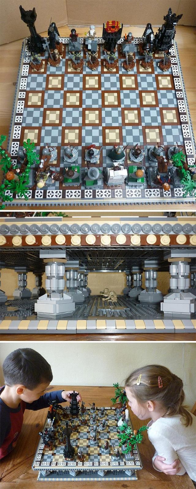 Thay thế bàn cờ vua nhàm chán bằng đồ chơi LEGO sinh độc, độc đáo