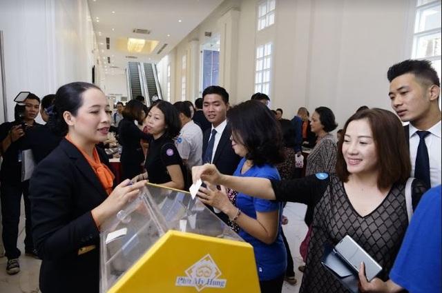 Khách hàng trẻ tham gia các đợt công bố mua dự án Saigon South Residences của Phú Mỹ Hưng chiếm tỷ lệ cao
