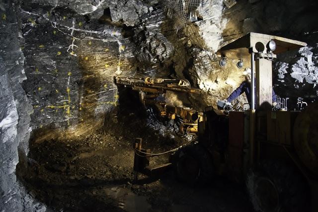 Nhà máy vàng Đăk Sa huyện Phước Sơn đã hoạt động trở lại từ tháng 8/2016…