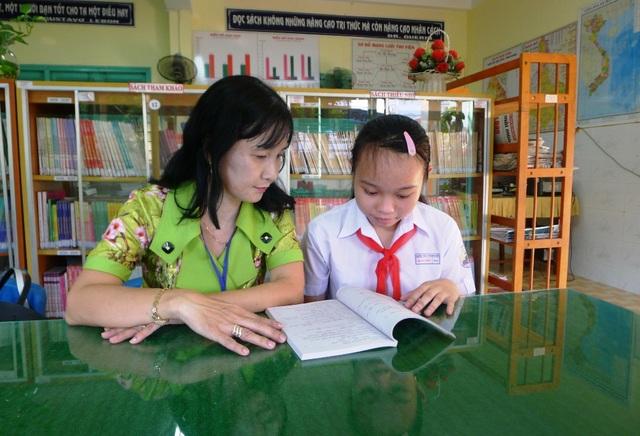 Xuân Uyên cảm thấy hạnh phúc khi được gia đình thương yêu chăm sóc đủ đầy và khi đến trường thì được thầy cô tận tình dạy bảo. Nhờ đó em mới có thành tích học tốt như hiện nay