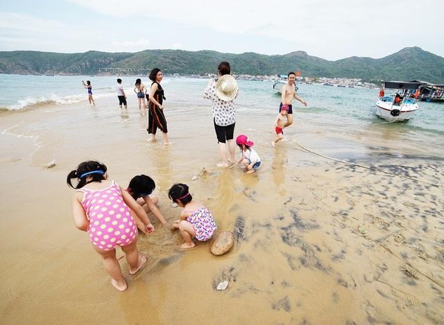 Trên 44.000 lượt khách đến Bình Định dịp lễ 30/4 và 1/5 - 5