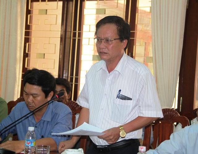 Ông Nguyễn Chí Công, Phó Chủ tịch UBND huyện Hoài Nhơn bức xúc thay cho ngư dân