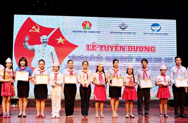 Các Liên đội đạt chuẩn liên tiếp 6 năm liền được trình UBND thành phố khen thưởng