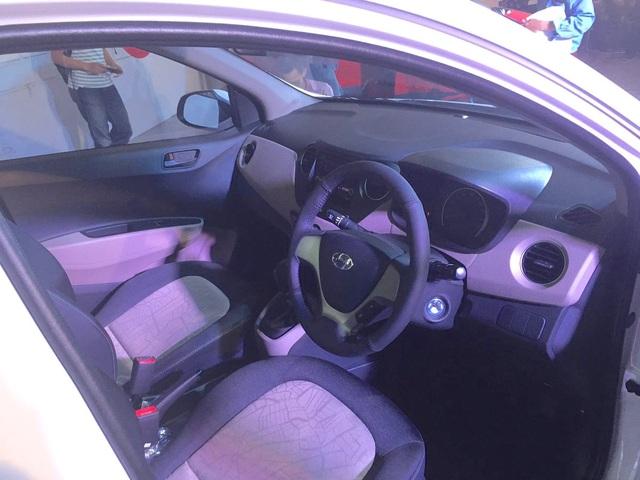 Hyundai Grand i10 X tại Ấn Độ vẫn có hai lựa chọn hộp số sàn 5 cấp hoặc hộp số tự động 4 cấp