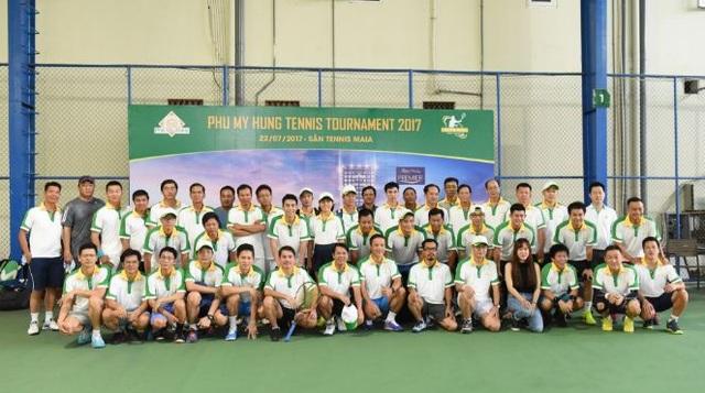 Là bộ môn được nhiều cư dân Phú Mỹ Hưng tập luyện, giải Tennis có rất nhiều người tham gia