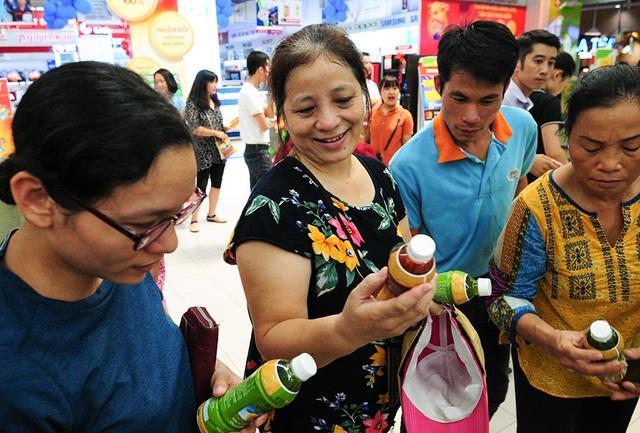 Đa số khách hàng đều cảm thấy thích thú và muốn tìm hiểu về sản phẩm để mua về sử dụng trong gia đình