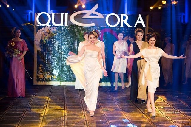 Trong chương trình QUI E ORA, lần đầu tiên các MC, BTV truyền hình trở thành những người mẫu.